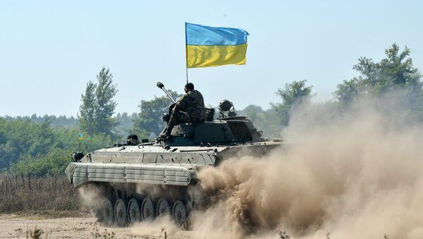 Pripadnici ukrajinske nacionalne garde za vreme vojnih vežbi u Harkovu - Sputnik Srbija