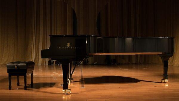 Koncertni klavir - Sputnik Srbija