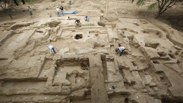 Поглед на археолошко налазиште у Перуу - Sputnik Србија