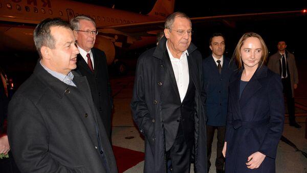 Сергеј Лавров са Ивицом Дачићем на аеродрому Никола Тесла - Sputnik Србија