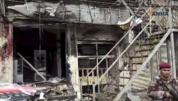 Оштећени ресторан поред кога се догодила експлозија у сиријском Манбиџу - Sputnik Србија