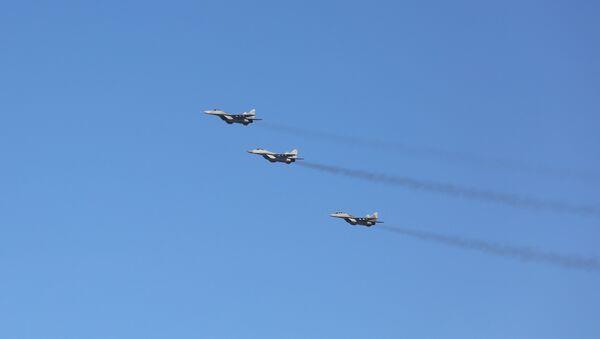 Авиони миг-29 у пратњи руског председничког авиона - Sputnik Србија