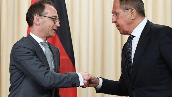 Руски и немачки министри иностраних послова Сергеј Лавров и Хајко Мас - Sputnik Србија