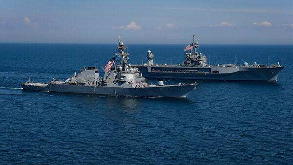 Američki brodovi Porter i Maunt Vitni na vojnim vežbama na Crnom moru - Sputnik Srbija