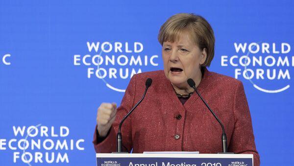 Немачка канцеларка Ангела Меркел говори на Светском економском форуму у Давосу - Sputnik Србија