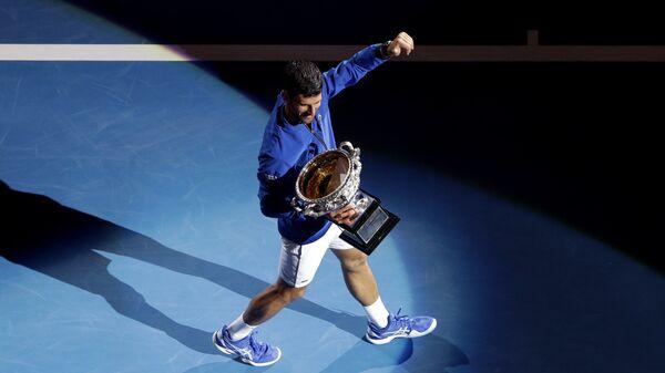 Novak Đoković nakon osvojene titule u Melburnu - Sputnik Srbija