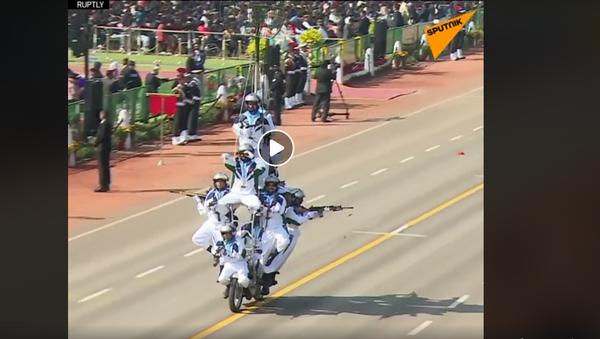 Индијски мотоциклисти на прослави Дана независности. - Sputnik Србија