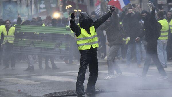 Protesti žutih prsluka u Parizu - Sputnik Srbija