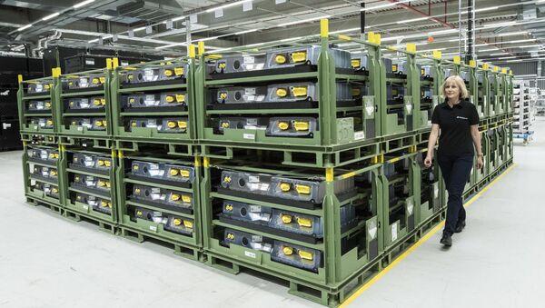 Akumulatori bazirani na litijumu u Dajmlerovoj fabrici u Istočnoj Nemačkoj - Sputnik Srbija