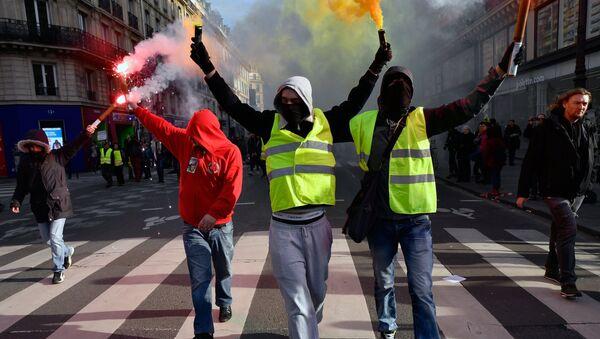Protest žutih prsluka u Parizu - Sputnik Srbija