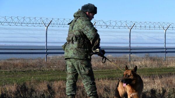 Žičani zid na granici Ukrajine i Rusije - Sputnik Srbija