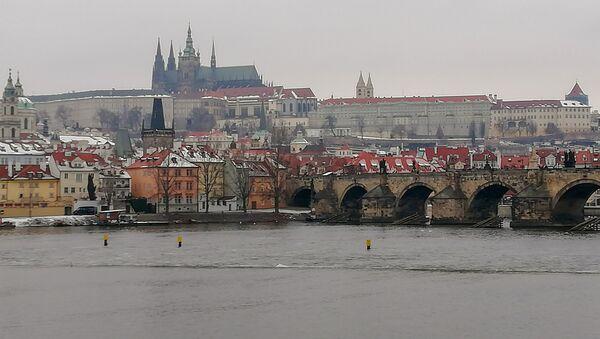 Pogled na praški stari grad, Hradčane i Karlov most - Sputnik Srbija