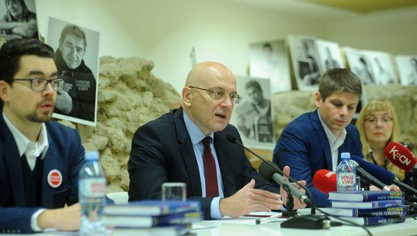 Арно Гујон и министар Владан Вукосављевић - Sputnik Србија