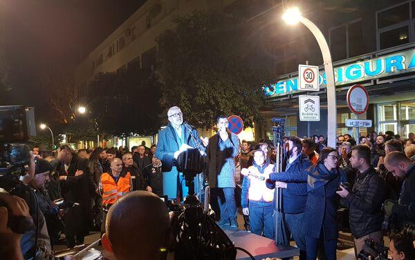 Бивши политичар Џемал Перовић говори на протесту у Подгорици - Sputnik Србија