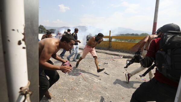 Сукоб опозиције и владиних трупа у Венецуели - Sputnik Србија
