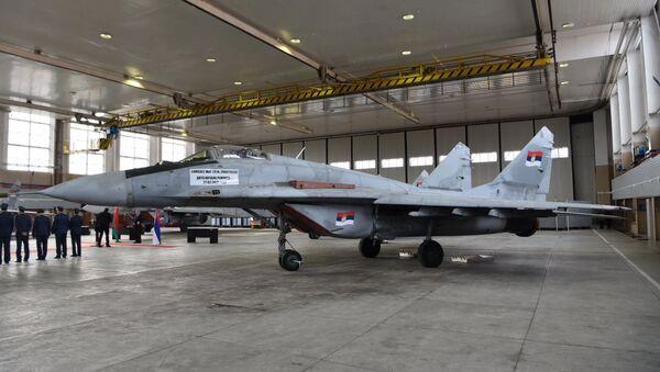 Srbija je od danas vlasnik još četiri aviona MiG 29  - Sputnik Srbija