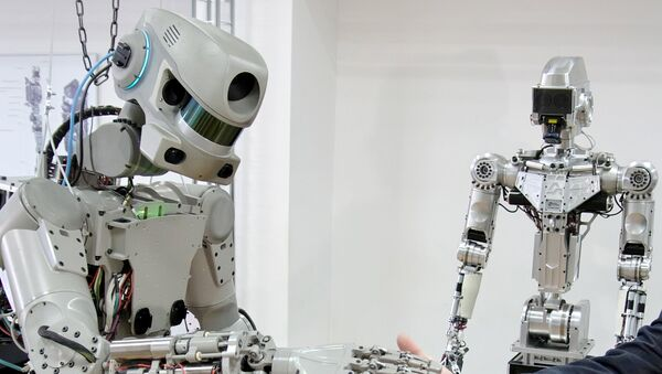 Тестирање антропоморфног робота Фјодор пројекта Спасилац у лабораторији Фондације за перспективна истраживања предузећа Андроидна техника у Магнитогорску - Sputnik Србија