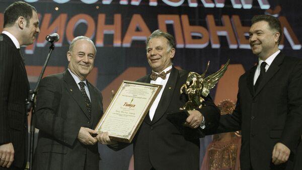 Руски физичар и нобеловац Жорес Алфјоров приликом добијања Нобелове награде - Sputnik Србија