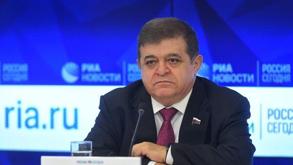 Први заменик председавајућег Одбора за међународне послове Савета Федерације Владимир Џабаров - Sputnik Србија