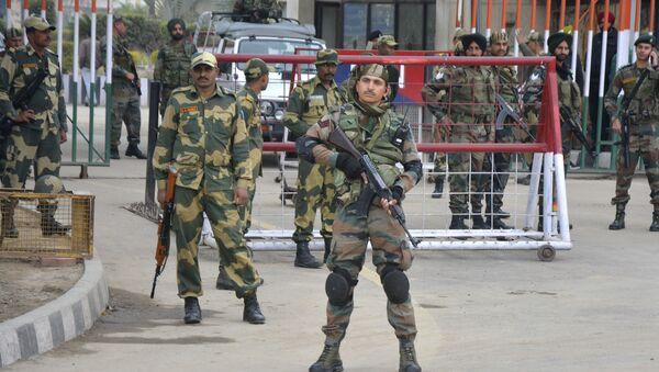 Индијски војници у Кашмиру - Sputnik Србија