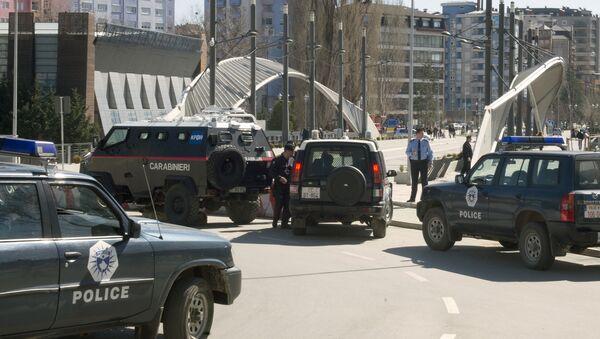 Karabinjeri u Kosovskoj Mitrovici na dan parastosa žrtvama martovskog pogroma - Sputnik Srbija
