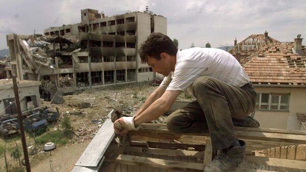 Posledice bombadrovanja 1999. godine u Đakovici, gradu na Kosovo i Metohiji - Sputnik Srbija