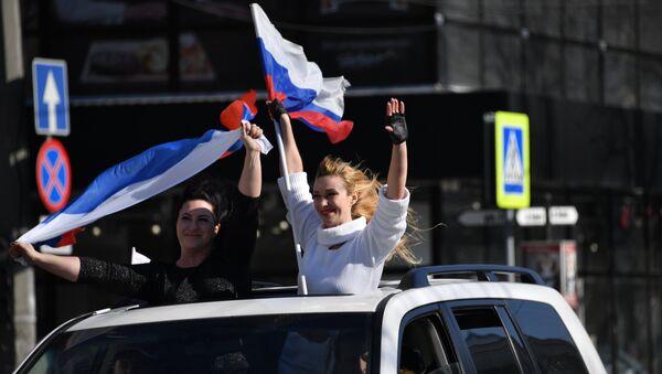Учесници мото-параде у част годишњице кримског референдума у Симферопољу - Sputnik Србија