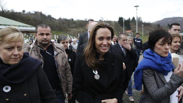 Andželina Džoli u Srebrenici - Sputnik Srbija