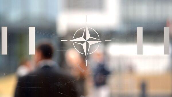 Лого Организације Северноатланског споразума (НАТО) у Бриселу - Sputnik Србија