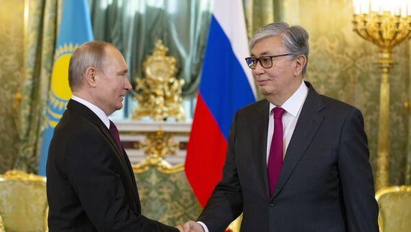 Председници Русије и Казахстана Владимир Путин и Касим-Жомарт Токајев на састанку у Москви - Sputnik Србија