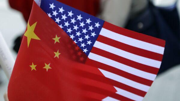 Кинеска и америчка застава - Sputnik Србија