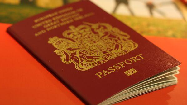 Пасош Велике Британије - Sputnik Србија