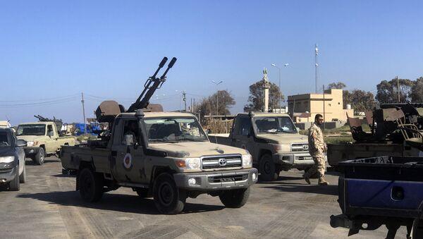 Snage verne libijskoj vladi koju podržavaju Ujedinjene nacije dolaze u Tadžuru, obalsko predgrađe Tripolija - Sputnik Srbija