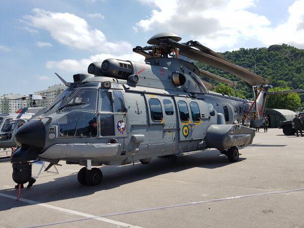 """Хеликоптер Х225М компаније """"Хелибрас"""", бразилске ћерке-фирме """"Ербас хеликоптерса"""" - Sputnik Србија"""