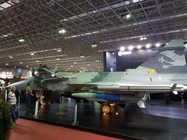 """Шведски ловац """"Грипен Е"""" компаније """"Сааб"""", која је у партнерским односима са Ратним ваздухопловством Бразила - Sputnik Србија"""