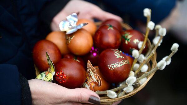 Proslava Uskrsa: Pravoslavni hrišćani u Crkvi Uspenja Svetog Marka - Sputnik Srbija