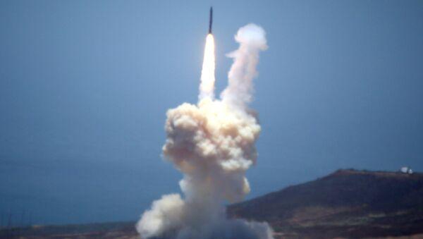 Testiranje balističke rakete u vojnoj bazi u Kaliforniji - Sputnik Srbija