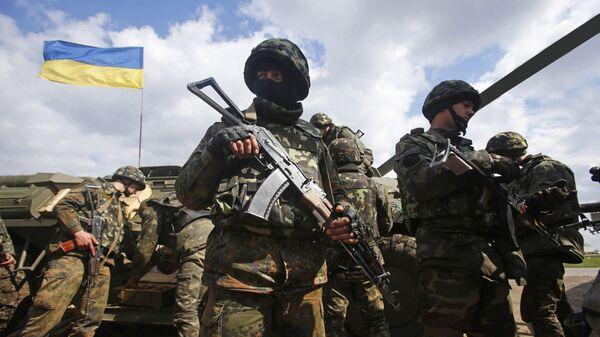 Ukrajinski vojnici na liniji razgraničenja u Donbasu - Sputnik Srbija