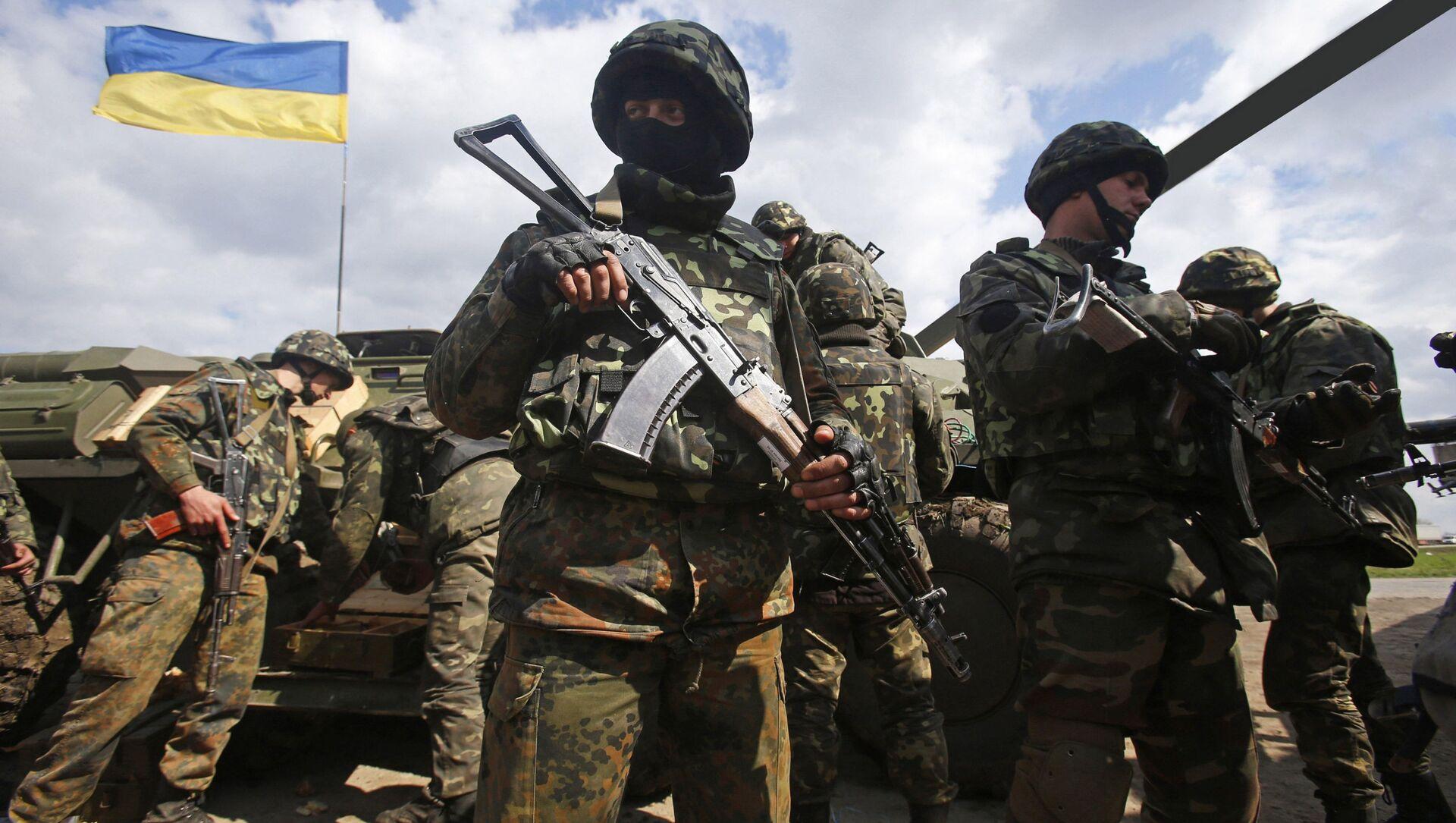 Украјински војници на линији разграничења у Донбасу - Sputnik Србија, 1920, 09.04.2021