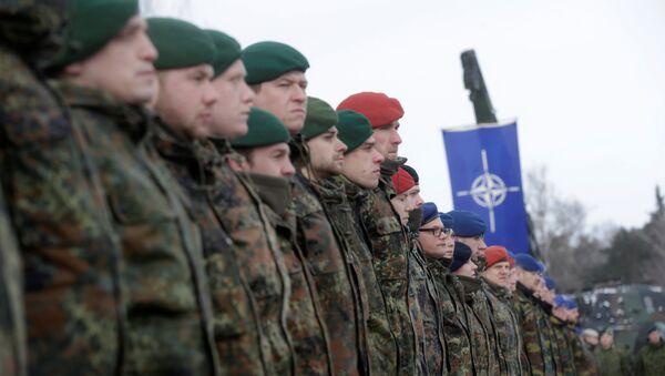 Nemački vojnici na ceremoniji raspoređivanja nemačkog bataljona u Litvaniji kao dela NATO-ovih mera obuzdavanja Rusije - Sputnik Srbija