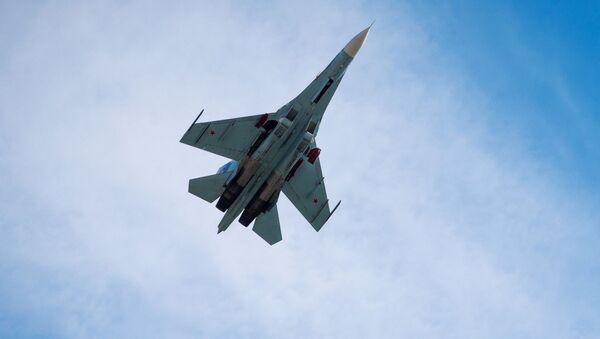 Многоцелевой истребитель Су-27. Архивное фото - Sputnik Србија