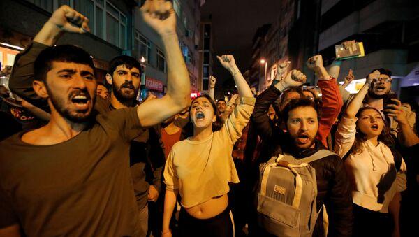 Протест у Истанбулу - Sputnik Србија