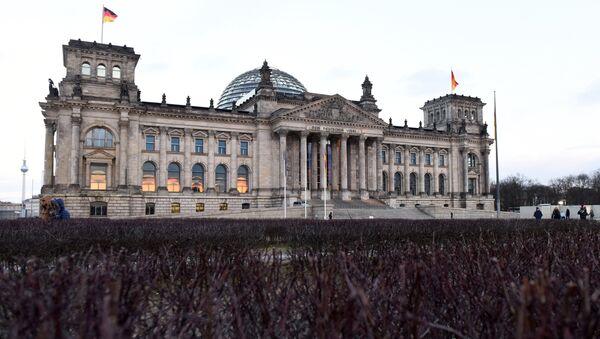 Зграда Рајхстага у центру Берлина - Sputnik Србија
