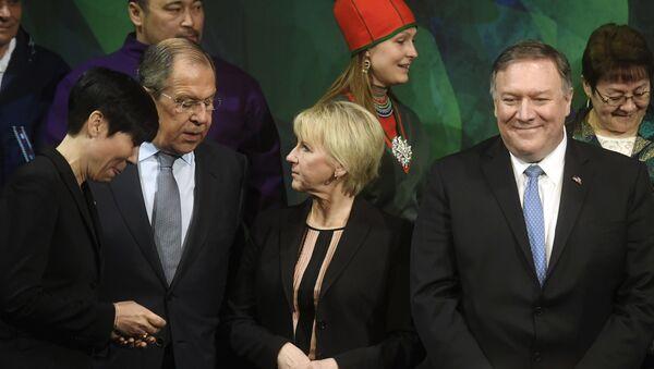 Ministarka spoljnih poslova Norveške Ine Mari Eriksen Soreide, ministar spoljnih poslova Sergej Lavrov, ministarka spoljnih poslova Švedske Margot Volstrom i američki državni sekretar Majk Pompeo na sastanku Arktičkog saveta u Finskoj - Sputnik Srbija