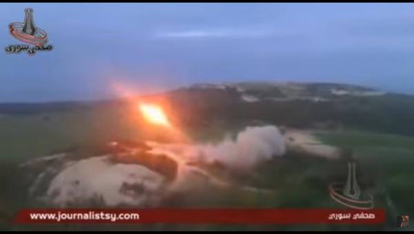 Сиријско тенковско чудовиште у рату против терориста (видео) - Sputnik Србија