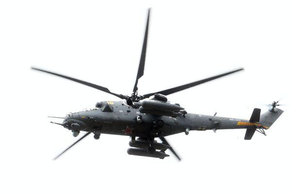 Руски хеликоптери на војној паради у Нишу - Sputnik Србија