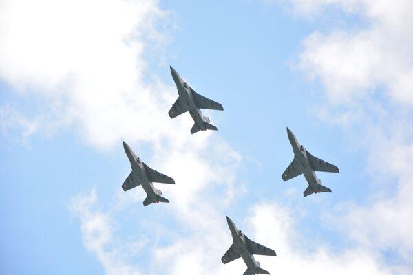 Авиони Ј-22 Орао на војној паради у Нишу ГИФ - Sputnik Србија