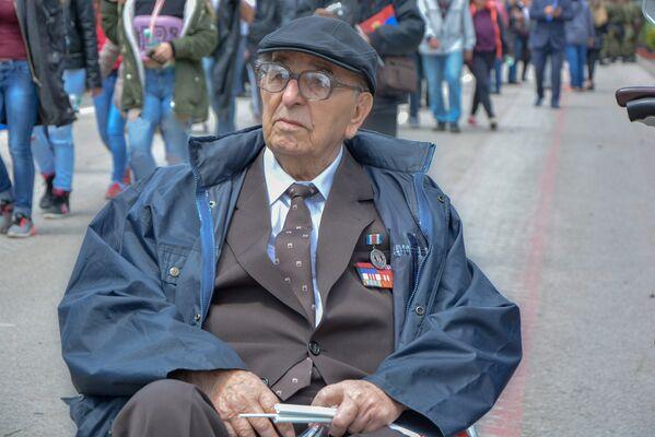 Душан Лукић, један од ратних војних ветерана на паради у Нишу - Sputnik Србија