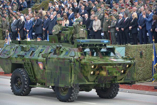 Војна парада у Нишу поводом Дана победе на фашизмом - Sputnik Србија