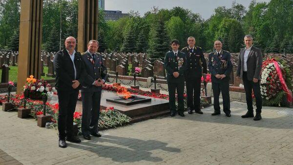 Srpska delegacija odala počast srpskom i ruskom heroju generalu Lebedu - Sputnik Srbija